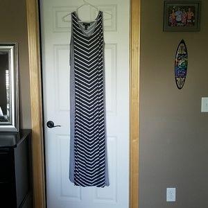 Style & Co Drk Gray & White Maxi Dress